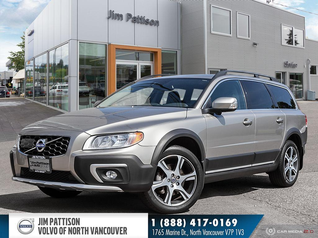 Pre-Owned 2015 Volvo XC70 T6 AWD Premier Plus