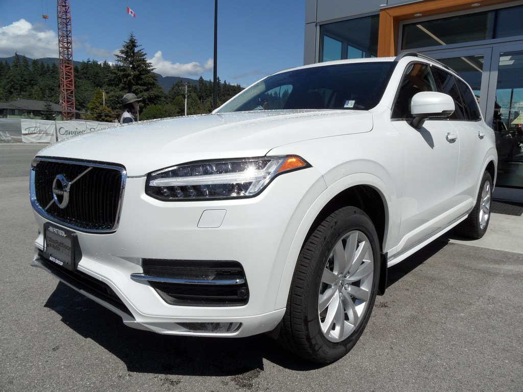 pre-owned 2019 volvo xc90 t6 awd momentum sport utility in north
