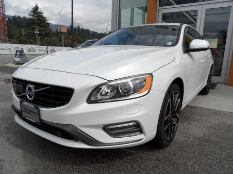 New 2018 Volvo V60 T6 AWD Dynamic / CLEAROUT!