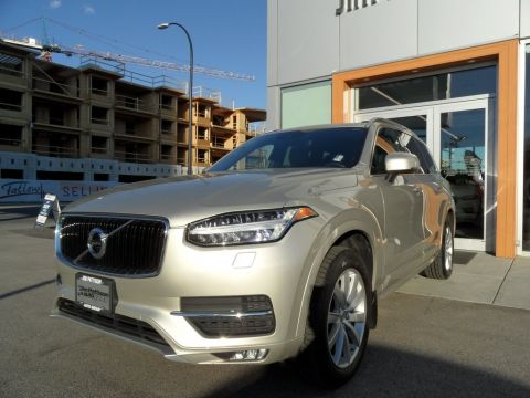Pre-Owned 2017 Volvo XC90 T6 AWD Momentum